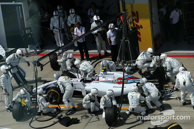 Valtteri Bottas, Williams F1 Team durante pitstop