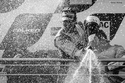 领奖台: 给Markus Winkelhock的香槟