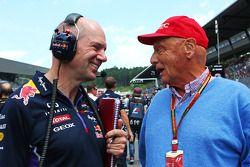 Startaufstellung: Christian Horner, Teamchef, Red Bull Racing; Niki Lauda, Mercedes