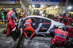 Arrêt au stand - #4 Phoenix Racing Audi R8 LMS ultra: Christopher Haase, Christian Mamerow, René Ras