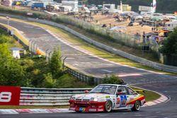 #144 Kissling Motorsport Opel Manta: Olaf Beckmann, Volker Strycek, Peter Hass, Jürgen Schulten