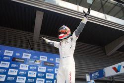 比赛获胜者 Jose Maria Lopez, 雪铁龙C-Elysee WTCC赛车,雪铁龙-道达尔WTCC车队