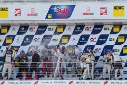Podium: racewinnaars Christopher Haase, Christian Mamerow, René Rast, Markus Winkelhock, tweede plaa