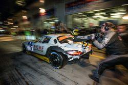 进站:#23 Rowe Racing,梅赛德斯-奔驰 SLS AMG GT3: Klaus Graf, Jan Seyffarth, Thomas Jäger, Richard Göransson