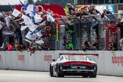 Racewinnaar #4 Phoenix Racing Audi R8 LMS ultra: Christopher Haase, Christian Mamerow, René Rast, Ma