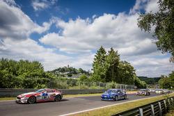 Départ : #94 Mathol Racing Aston Martin Vantage V8 GT4: Wolfgang Weber, Norbert Bermes