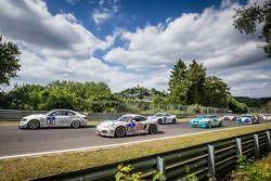 起步: #87 Bonk车队,宝马 M3 GT4: Axel Burghardt, Michael Bonk, Jens Moetefindt, Andreas Möntmann,和#172 Math