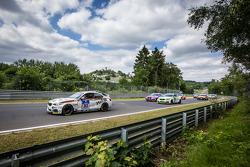 Largada: #313 Walkenhorst Motorsport BMW M235i Racing: Michael Schrey, Emin Akata