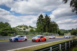 Start: #131 Hyundai Motor Deutschland Hyundai Veloster: Markus Schrick, Michael Bohrer, Rory Penttin