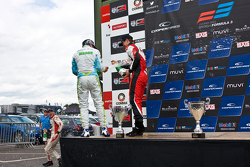 Podium: 1er Sam Macleod, 2ème Andy Chang, 3ème Matt Rao