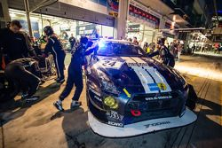 Arrêt au stand - #24 Schulze Motorsport Nissan GT-R Nismo GT3: Kazunori Yamauchi, Tobias Schulze, Michael Schulze, Jordan Tresson
