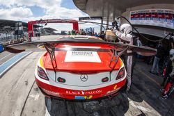 Pit stop for #1 Black Falcon Mercedes-Benz SLS AMG GT3: Lance David Arnold, Jeroen Bleekemolen, Andr