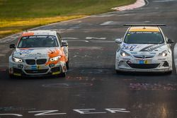 #312 BMW M235i Racing: Jörg Wiskirchen, Carsten Welschar, David Ackermann, #251 Lubner Event & Motor