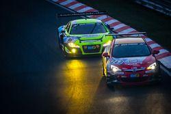 #253 Opel Astra OPC: Max Hackländer, Christian Gebhardt ; #16 Twin Busch Motorsport Audi R8 LMS ultra: Dennis Busch, Marc Busch, Manuel Lauck, Stefan Landmann