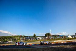 #68 Porsche 997 Cup: Christian Dunkhols, Kjell Dunkhols, Peter Dunkhols, Patrik Shoog, #124 Audi TT
