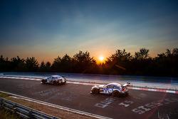 #24 Schulze Motorsport Nissan GT-R Nismo GT3: Kazunori Yamauchi, Tobias Schulze, Michael Schulze, Jordan Tresson, #27 Walkenhorst Motorsport BMW Z4 GT3: Ralf Oeverhaus, Henry Walkenhorst, Stefan Aust, Peter Posavac