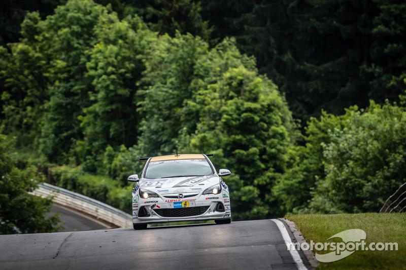 #251 Lubner Etkinliği & Motorsport Opel Astra OPC Kupası: Axel Jahn, Juha Karjalainen, Sepo Hunt, Alain Pier