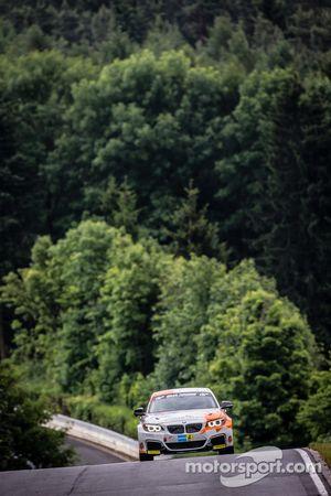 #312 BMW M235i Racing: Jörg Wiskirchen, Carsten Welschar, David Ackermann