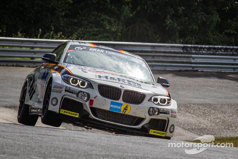 #313 Walkenhorst Motorsport BMW M235i Racing: Michael Schrey, Emin Akata