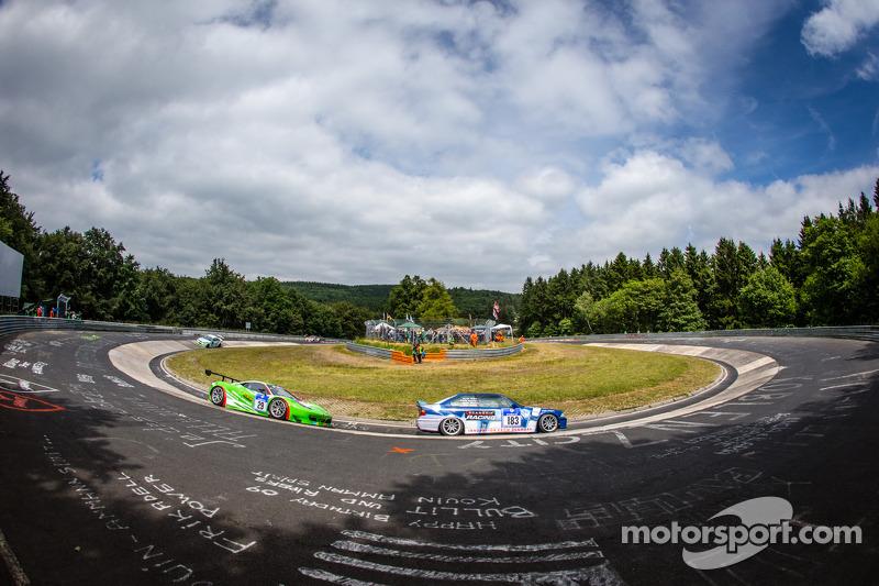 #183 Adrenalin Motorsport 宝马 E36 M3: Niels Borum, Maurice O'Reilly, Michael Eden, #29 GT Corse by Ri