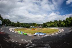 #183 Adrenalin Motorsport BMW E36 M3: Niels Borum, Maurice O'Reilly, Michael Eden ; #29 GT Corse by Rinaldi Ferrari 458 Italia GT3: Alexander Mattschull, Andrea Barlesi, Pierre Ehret, Mike Jäger
