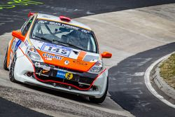 #145 Renault Clio RS: Xavier Lamadrid Jr., Xavier Lamadrid Sr., Massimiliano Girardo, Nicolas Abril