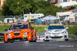 #121 Seat Leon Supercopa: Philippe Salini, Stéphane Salini, Tristan Gommendy ; #251 Lubner Event & Motorsport Opel Astra OPC Cup: Axel Jahn, Juha Karjalainen, Sepo Hunt, Alain Pier