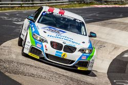 #305 Medilikke Motorsport BMW M235i Racing: Michael Hollerweger, Gerald Fischer, Michael Fischer