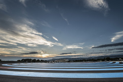 Pôr-do-sol over Paul Ricard