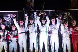 Pódio: Vencedores da corrida Andy Meyrick, Guy Smith, Steven Kane