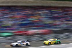 Mike Rockenfeller, Audi Sport Takımı Phoenix Audi RS 5 DTM, Maxime Martin'i avlıyor, BMW RMG Takımı BMW M4 DTM