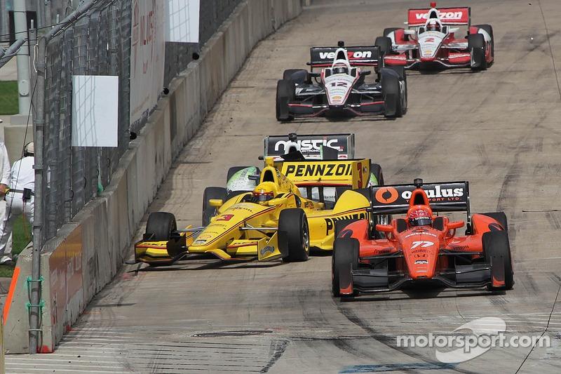 Helio Castroneves, Penske Racing Chevrolet, incidente