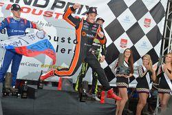 Simon Pagenaud, Schmidt Peterson Hamilton Motorsports Honda kutlama yapıyor