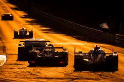 #38 Jota Sport Zytek Z11SN - Nissan: Simon Dolan, Harry Tincknell, Oliver Turvey ; #2 Audi Sport Team Joest Audi R18 E-Tron Quattro: Marcel Fässler, Andre Lotterer, Benoit Tréluyer