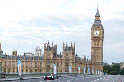 Autos de Fórmula E toman el centro de Londres