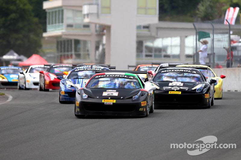 Départ - #2 Ferrari of Houston Ferrari 458: Ricardo Perez en tête