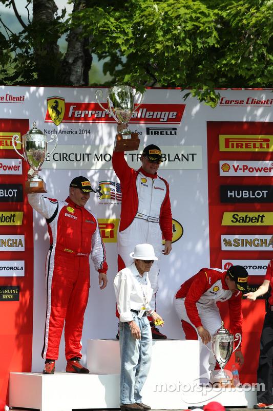 CS pódio: vencedor, Chris Ruud, segundo colocado, Jon Becker, terceiro colocado, Carlos Conde