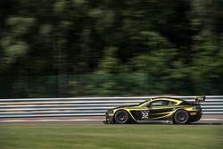 #32 Leonard Motorsport AMR Aston Martin Vantage GT3: Paul Wilson, Stuart Leonard, Michael Meadows, P