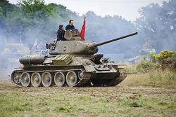 Tank rijdt op Silverstone