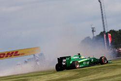 Marcus Ericsson, Caterham CT05 FP1'de spin atıyor