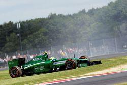 Marcus Ericsson, Caterham CT05 FP1'de spin atıyor ve duruyor