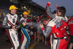 Vainqueur: Garth Tander, Holden Racing Team