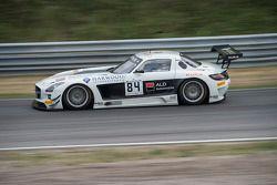 #84 HTP Motorsport 梅赛德斯 SLS AMG GT3: 马克西米利安·布克, 马克西米利安·格策