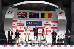 Podium: race winner Mitch Evans, second place Jolyon Palmer, third place Stoffel Vandoorne
