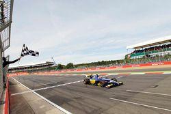 Felipe Nasr takes the win