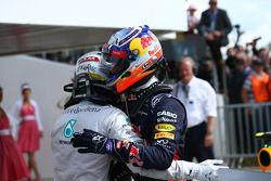 1. Lewis Hamilton, Mercedes AMG F1; 3. Daniel Ricciardo, Red Bull Racing