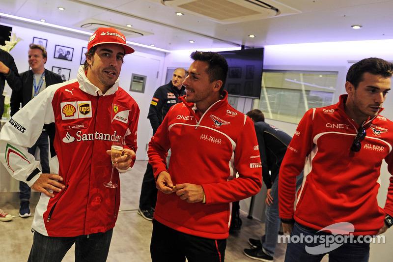 Fernando Alonso, Ferrari Felipe Massa'nın 200. GP startı kutlamasında