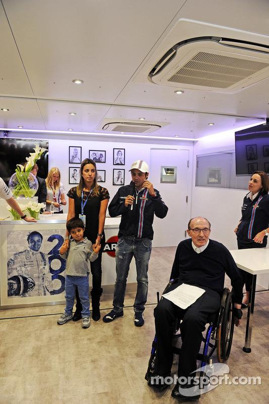 Felipe Massa, Williams, viert zijn 200e GP met zijn vrouw Rafaela Bassi, Williams Teameigenaar, Clai