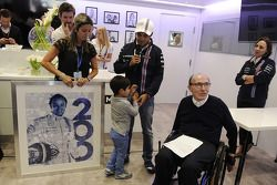 Felipe Massa, Williams, feiert seinen 200. GP; Eherfau Raffaela Bassi, Sohn Felipinho, Frank William