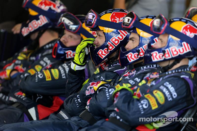 Red Bull Racing mecânicos durante pitstop